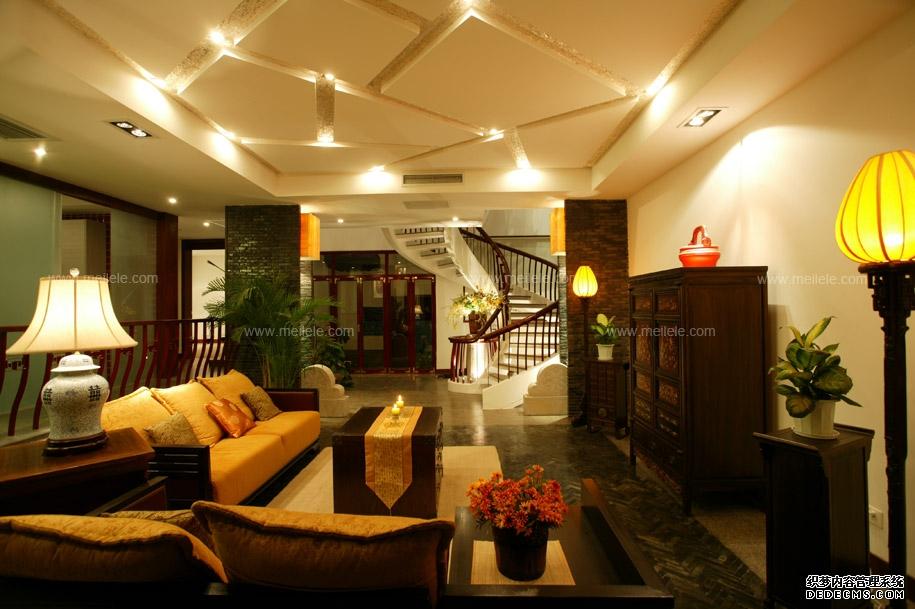 中式复式楼 客厅中式黄色客厅吊顶装修效果图